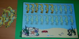 Numbered seahorses ordering activity FREE from Twinkl
