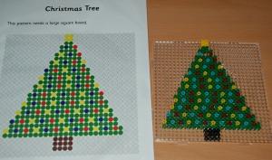Christmas tree Hama bead pattern from Activity village
