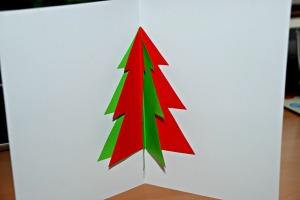 Christmas tree card on ofamilyblog