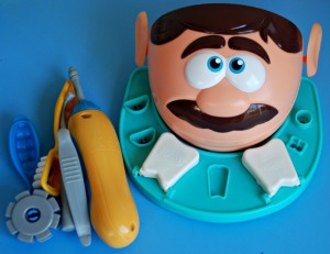 Dentist Playdoh set head and tools