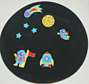 paper plate and sticker space picture