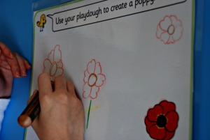 Free flower play dough mats from Twinkl great for drawing