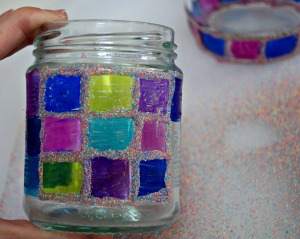 Adding coloured sand to your decorated glass jar