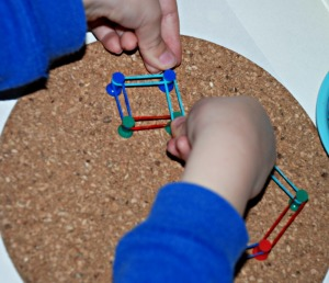 Building shapes with the drawing pins and loom bands