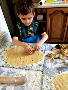 footprint biscuits great way to get little kids involved in baking