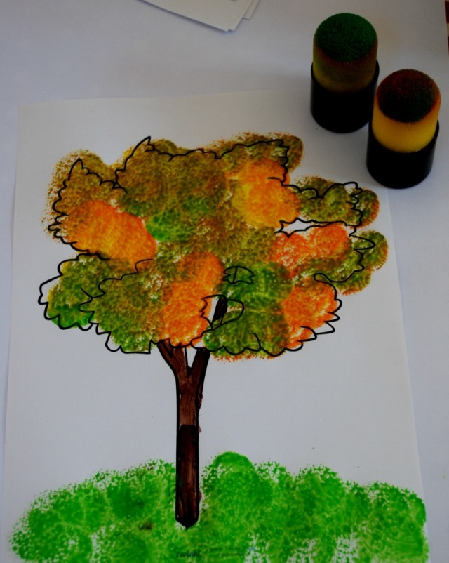 autumn-tree-using-paint-dabbers-and-a-free-to-download-colouring-page