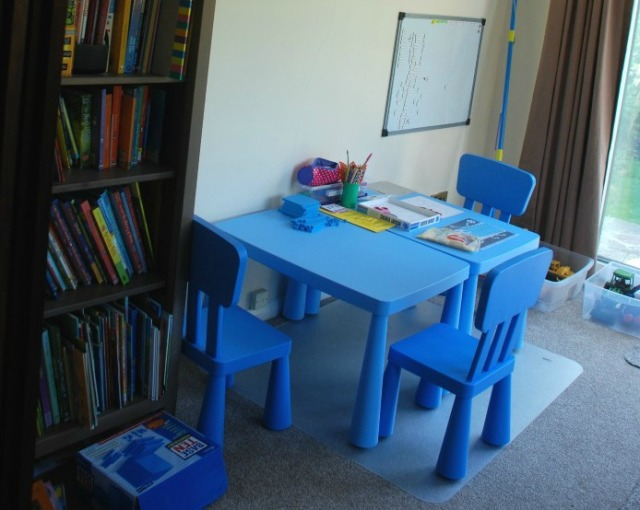 home-ed-area-kids-play-area-with-bookcase-and-table-and-chairs-for-them-to-use