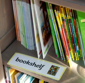 home-word-cards-bookshelf-word-card-from-twinkl