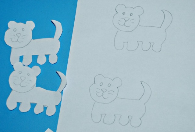 Drawing lion cubs to make stick puppets with