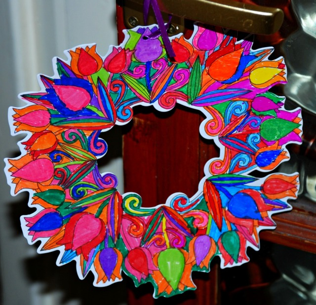 Baker Ross colour in flower wreath