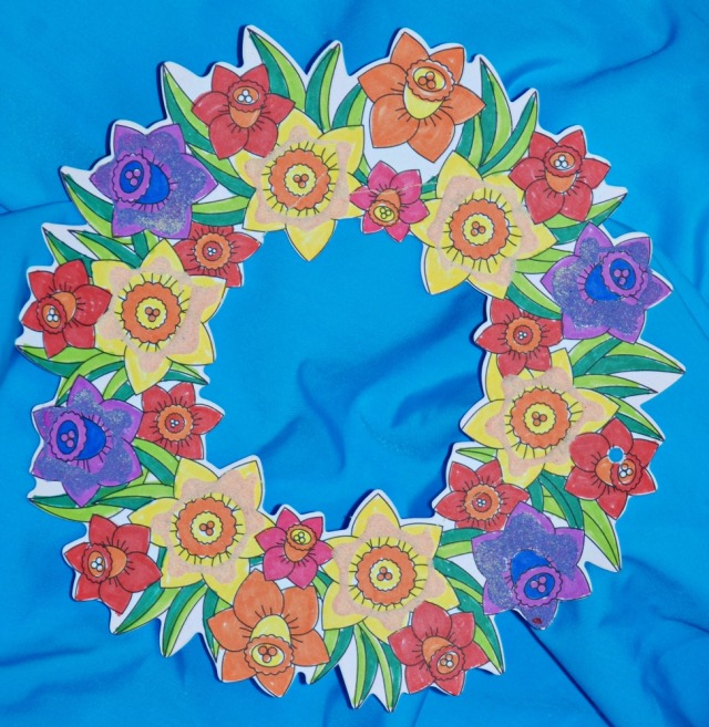Baker Ross flower wreath with some colour sand added