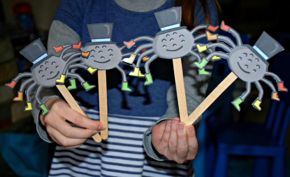 Cute spider stick puppets using the Incy Wincy spider images from Twinkl. perfect for 8 times table