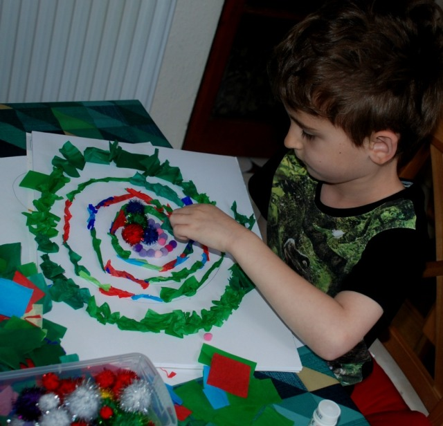 building a maze craft for children. using tissue paper for the hedges