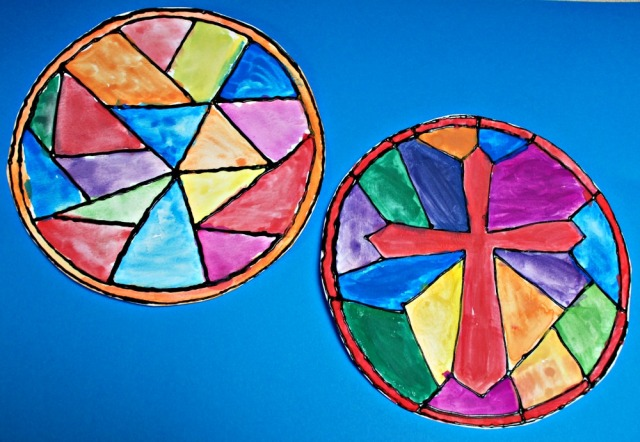 Stained glass window art activity for children. Fun painting project using watercolour paints and some dimensional paint