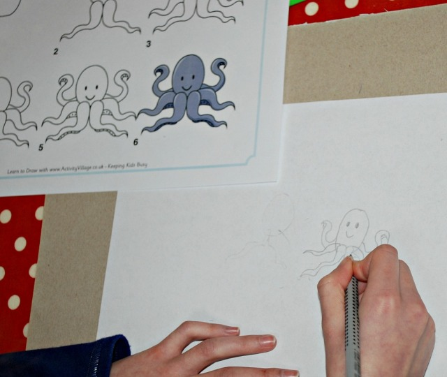 Drawing an Octopus with the Learn to Draw pages from Activity Village