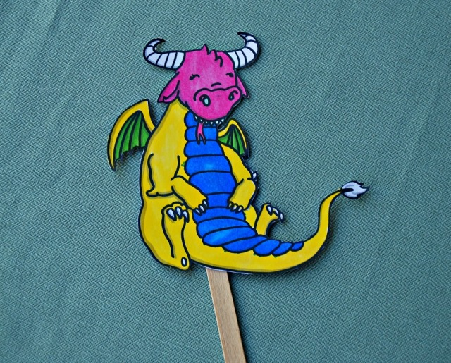 Free to download dragon stick puppet. Part of the How to Train Your Dragon Stick Puppets from Twinkl Resources
