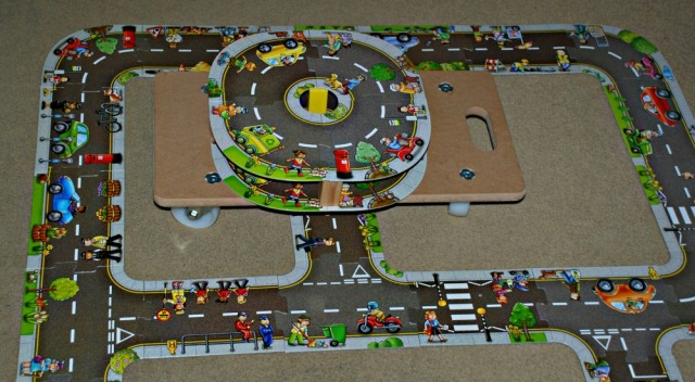 Using the Orchard Toys Giant Road Puzzles to create interesting road networks