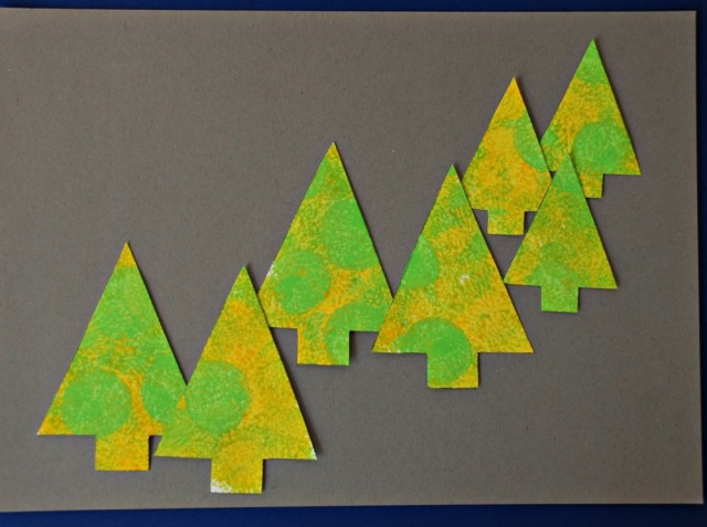 Template Tree picture using paint dabbers and a tree template from Activity Village