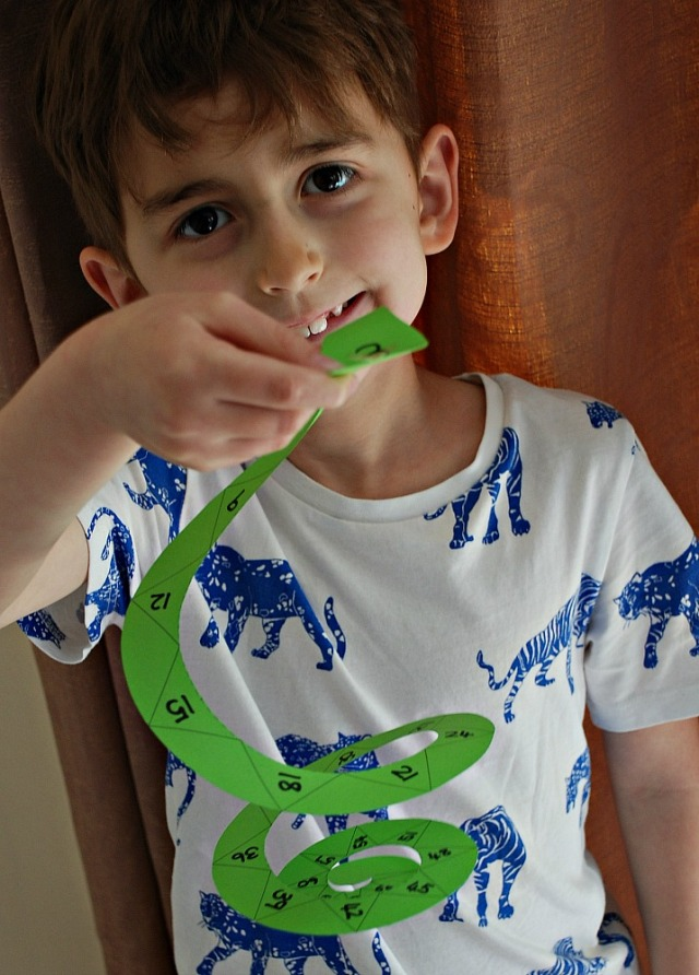 Making your own skip counting snakes. Fun and easy way to practice skip counting