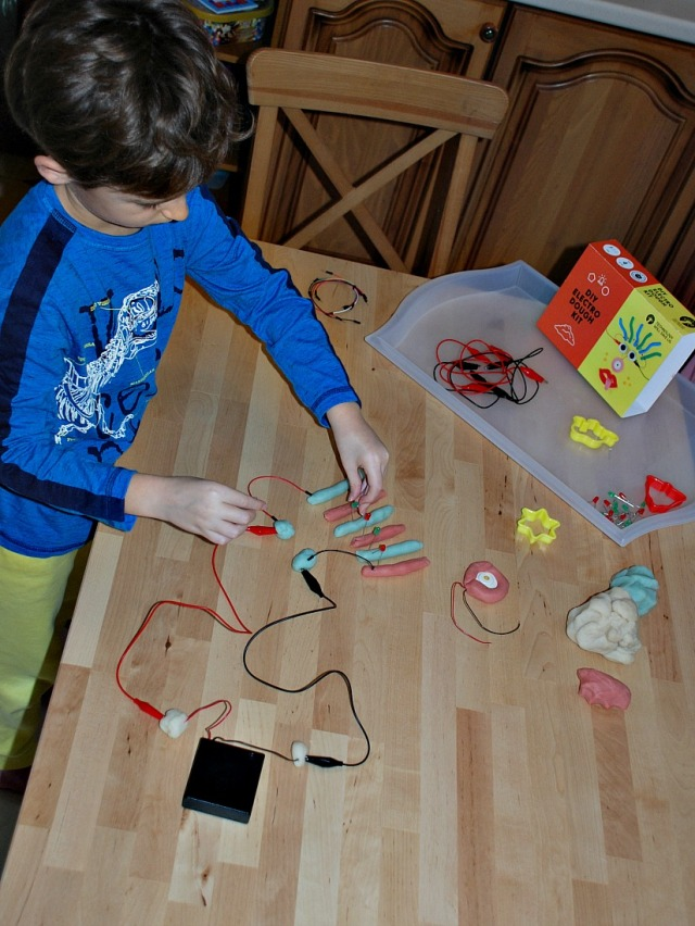 Buidling more complicated circuits with his DIY Electro Dough Kit