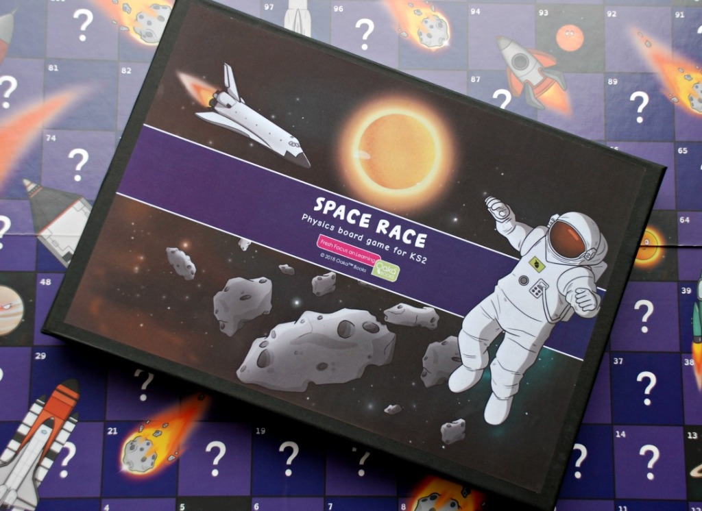Space Race Game by Oaka Books